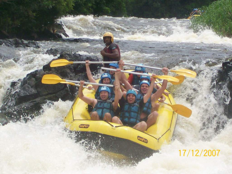 Passeio de rafting em Itacaré