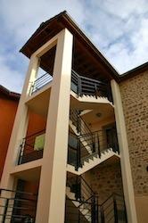 Bâtiment communal Saint Igny de Vers escalier