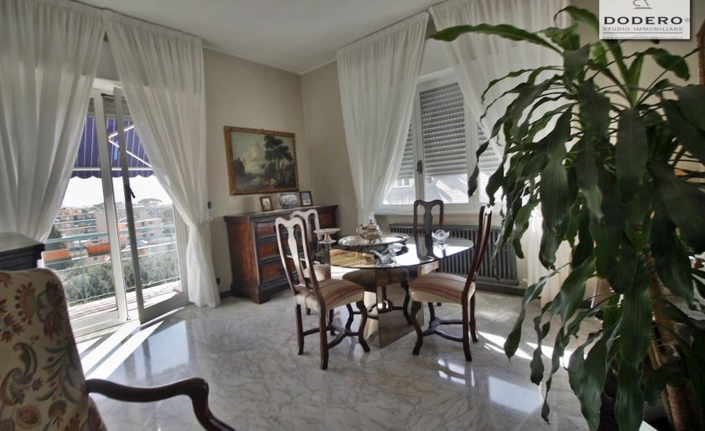 Attico in vendita a Genova Quinto