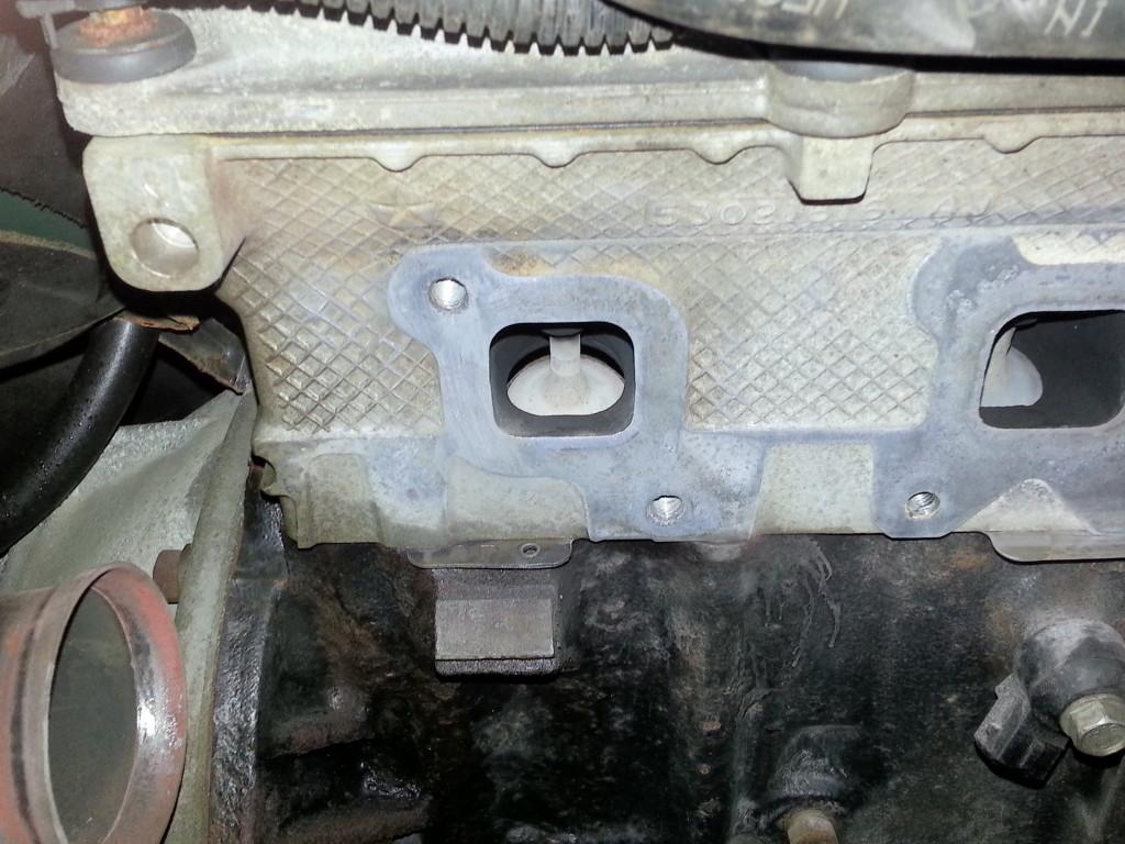pics of broken exhaust manifold bolts