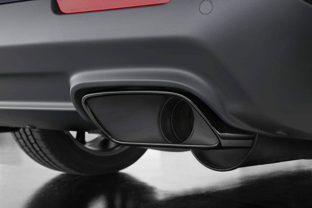 https dodgeforum com articles does your dodge need back pressure standard chrome exhaust tips are replaced with dodge challenger 2