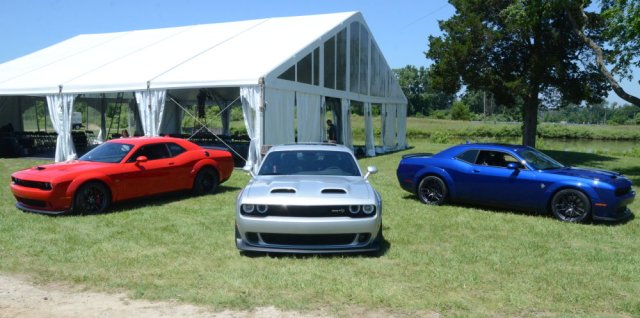 2019 Challenger Widebody Lineup Outside