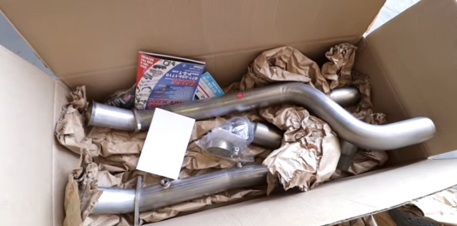 Charger Midpipes in Box