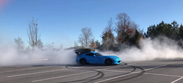 Dodge Viper ACR Donuts with Christmas Tree
