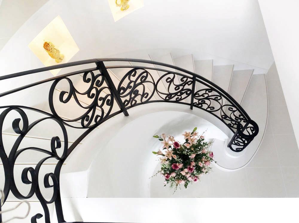 兵庫県あわじ市・F邸アイアンの手すりと階段