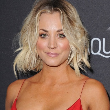 Kaley Cuoco Biography | Know more about her Personal Life, Age, Net Worth, Sister, Dating, Salary, Dad, Hair, Movies, TV Shows, Charmed, Family, Height
