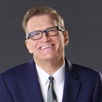 Drew Carey Biography, actor, shows, comedian, net worth, hosting, early life, suicide, education, wife, marriage, father, news.