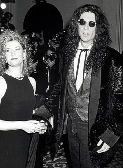 Howard with his wife Alisonv