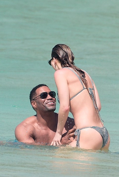 Michael Strahan Dating Kayla Quick