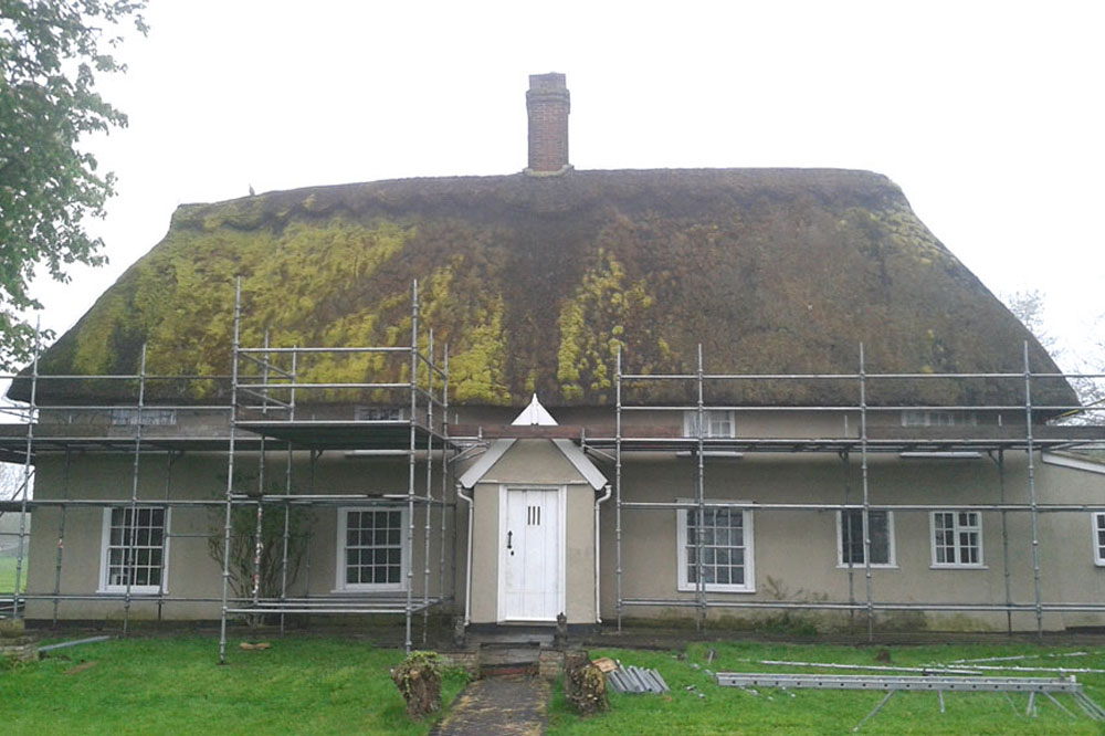 Vintage Cottage Ready For Work To Remove Old Roof And Replace With Longstraw Thatch