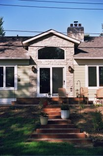 Maplewood Lake Cottage Front Entry