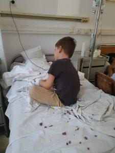 Joaca în pat cu plastilină :-)