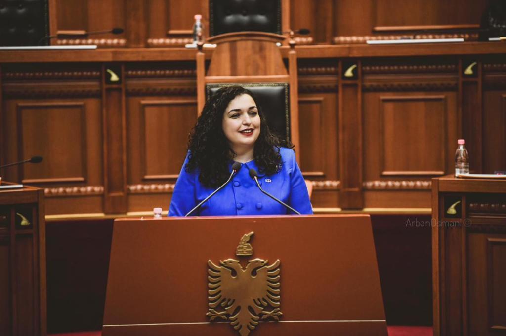 Vjosa Osmani est élue présidente de la République du Kosovo