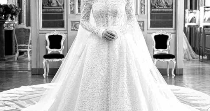 Lady Kitty Spencer, une nièce de Lady Diana a porté 5 tenues différentes à son mariage