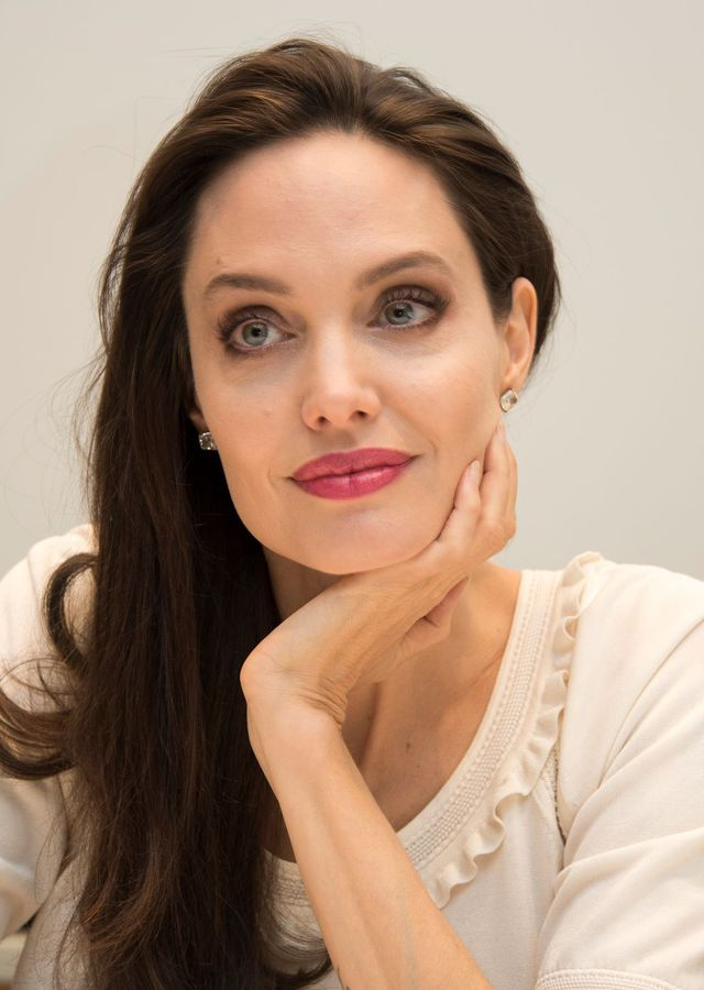 Angelina Jolie poste la photo de ses enfants sur Instagram