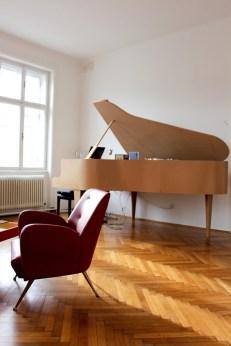 El piano de cola de Thomas Wizany.