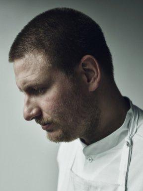 Chef Esben Holmboe Ban, propietario del restaurante Maaemo. Foto: Tuukka Koski.