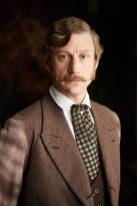 Retrato de caracterización y vestuario de la película.