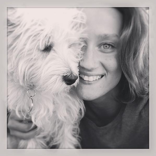 Mireia Belmonte con London, su Westin Terrier. Foto: @missbelmont