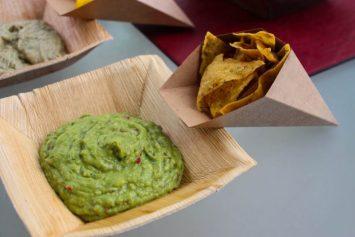 Guacamole con nachos.
