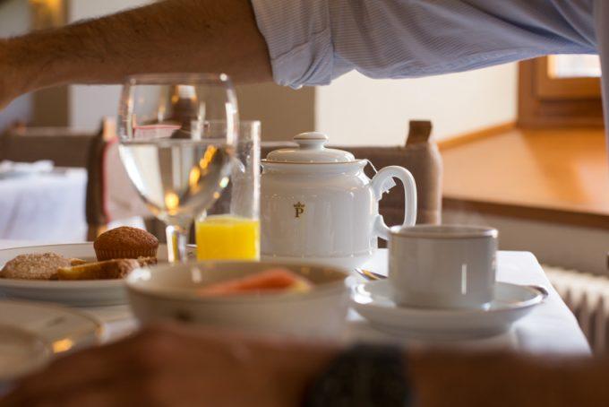 Desayuno slow food con vistas al bosque y a la Sierra.