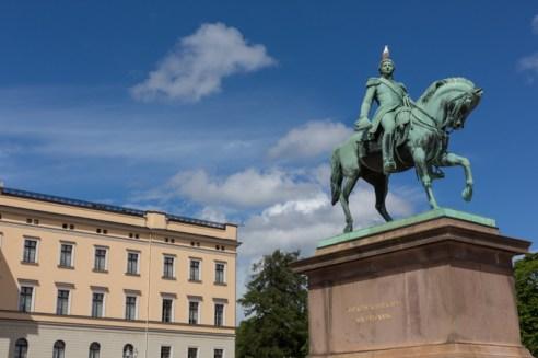 Slottsplassen,la plaza frente al Palacio Real.
