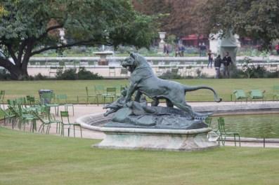 Tigre terrassant un crocodile (Tigre matando un cocodrilo), obra en bronce de Auguste Cain, 1873.