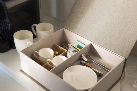 Amenities, té de Kusmi Tea y Nespresso.