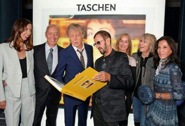 Marlene y Benedikt Taschen, Paul McCartney, Ringo Starr, Barbara Bach y Chrissie Hynde. Copyright: Dave Benett.