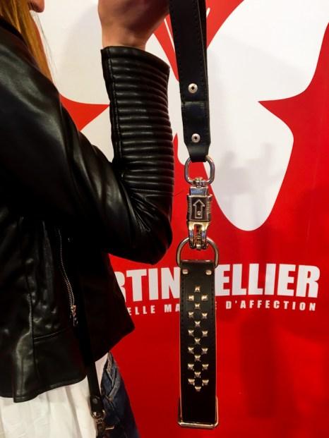Collar de cuero MARTIN SELLIER, también está la versión con cristales de SWAROVSKI.