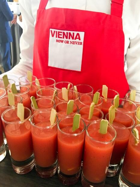 Cocktail con motivo de la celebración en el Teatro Real de Madrid.