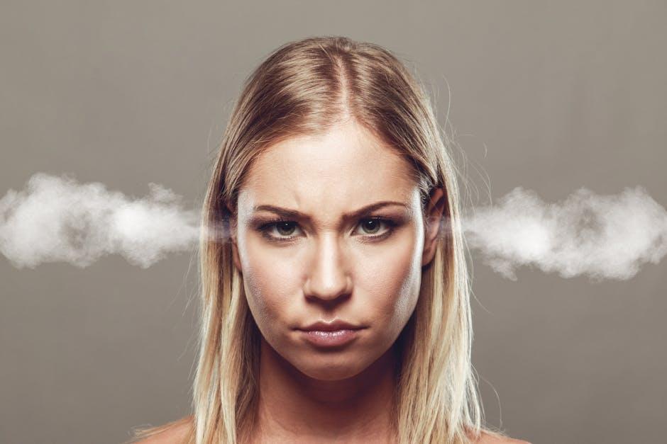 Hoe uit je onderdrukte woede?