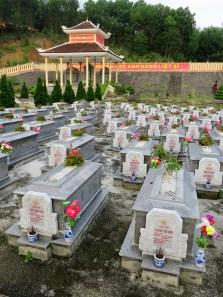 pham-duc-war-cemetery-3