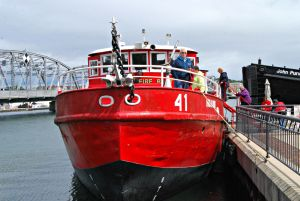 The Chicago Fireboat Legend Cruises