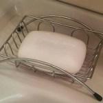 【ミニマリスト】常在菌を育てる為に石鹸をやめて肌を塩水で洗い始めました。【肌断食】【塩浴】