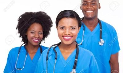 18814644 Groupe De Portrait De Médecins Africains