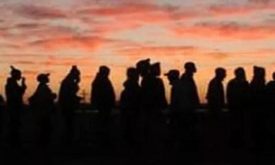 Afrique Du Sud,des Mineurs Manifestent, Contre Leur Patron , Passant ,semaine Sous Terre