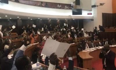 Les Députés Ivoiriens Votent , Non , à La Gratuité ,carte Nationale D'identité