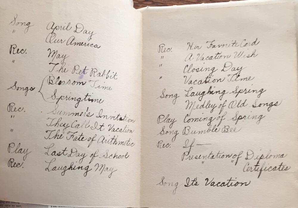 Handwritten graduation program for Grapevine School, 1940.