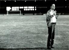 Juca Kfouri entra ao vivo no Jornal da Globo para comentar o jogo entre São Paulo e Santos em julho de 1992.