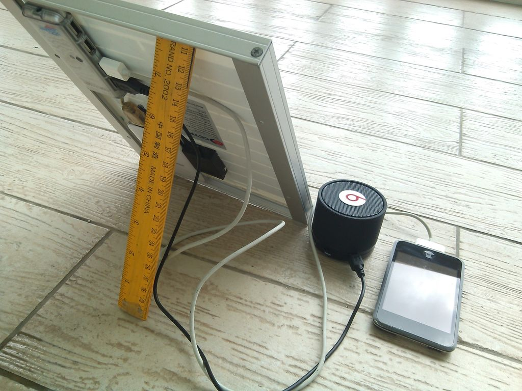 DIY USB Solar Phone Charger For Under $20, Emergency Do It