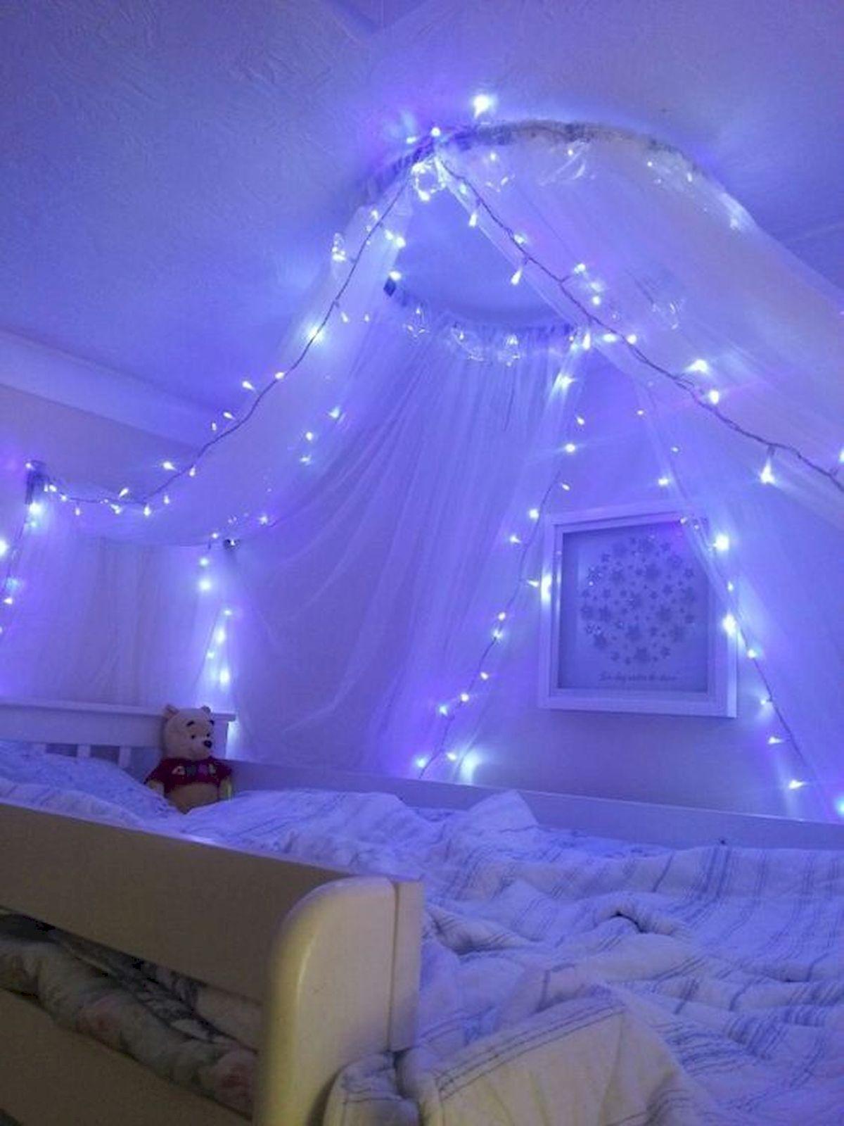 30 Beautiful DIY Bedroom Fairy Lights (12)