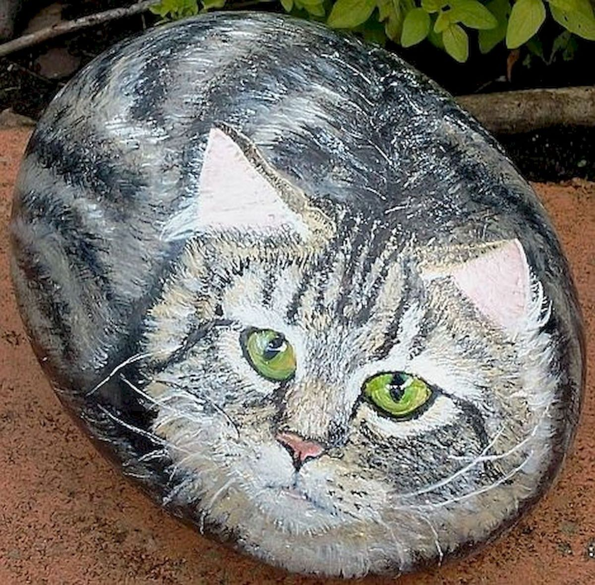 50 Best DIY Painted Rocks Animals Cats for Summer Ideas (27)