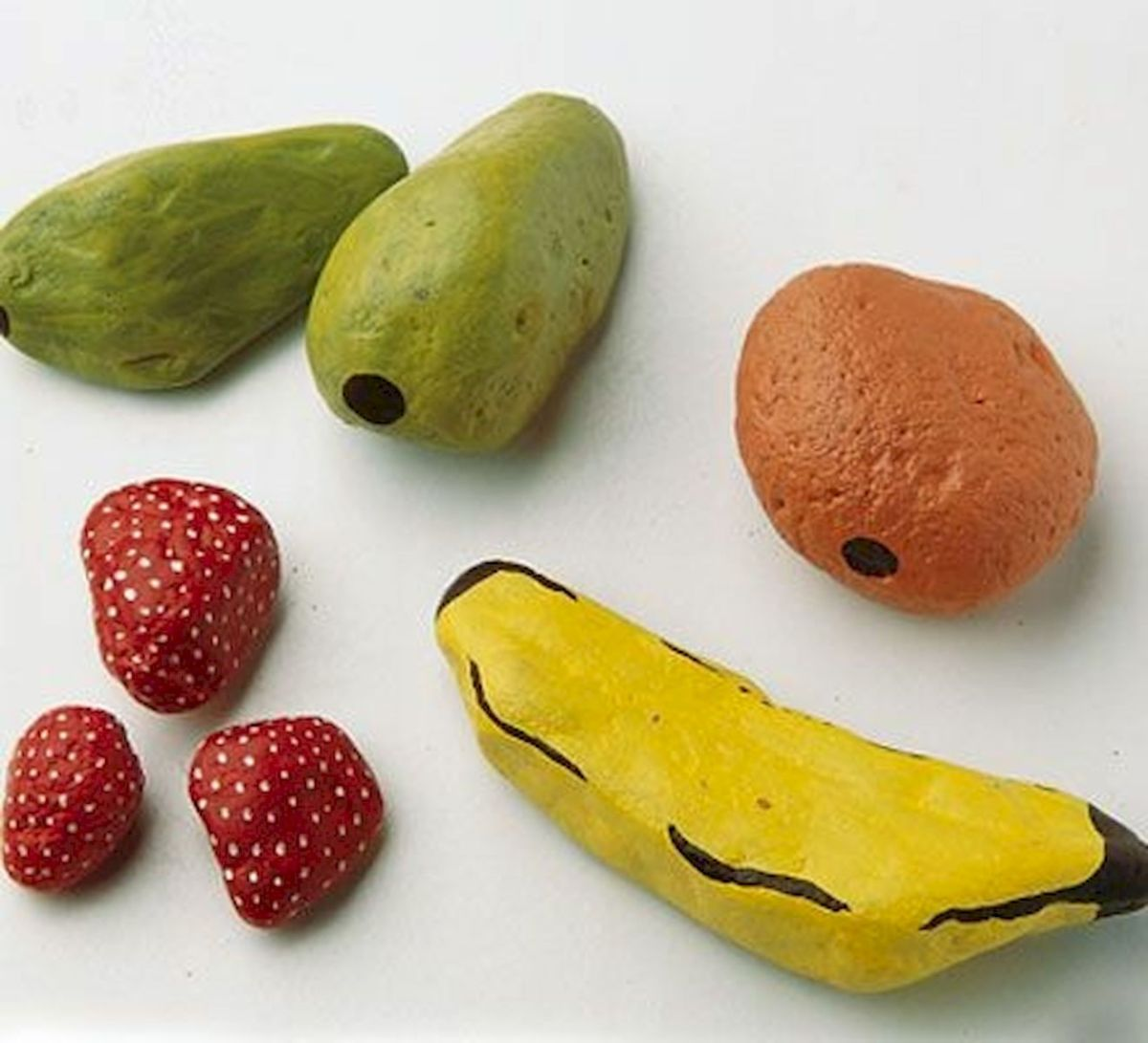 40 Awesome DIY Painted Rocks Fruits Ideas (27)