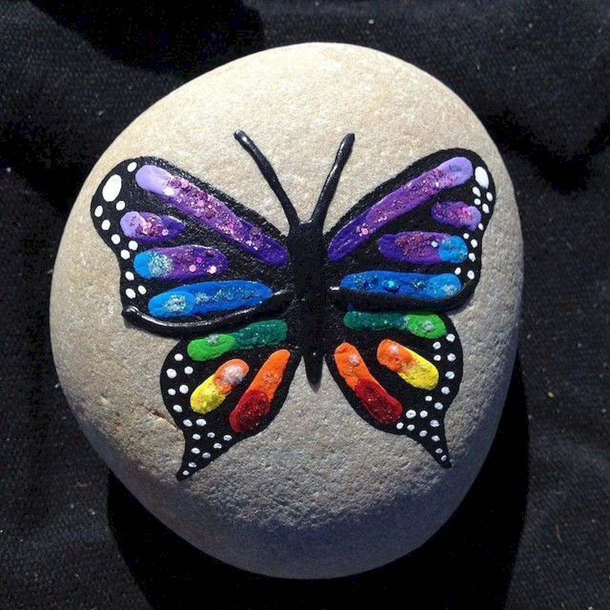 55 Cute DIY Painted Rocks Animals Butterfly Ideas (17)