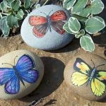 55 Cute DIY Painted Rocks Animals Butterfly Ideas (23)