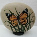 55 Cute DIY Painted Rocks Animals Butterfly Ideas (44)