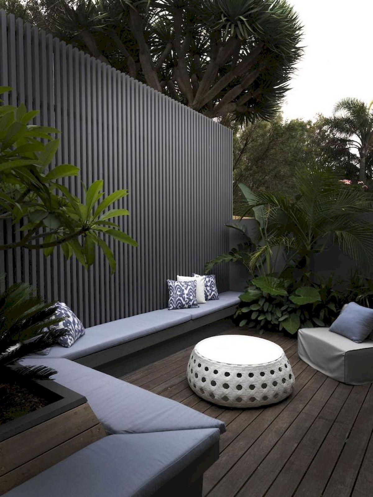 60 Awesome DIY Backyard Privacy Design And Decor Ideas (44)