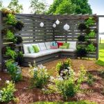 60 Awesome DIY Backyard Privacy Design And Decor Ideas (59)