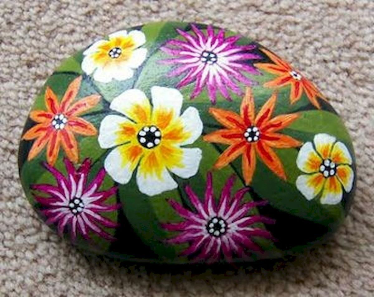 60+ Beautiful DIY Painted Rocks Flowers Ideas (23)